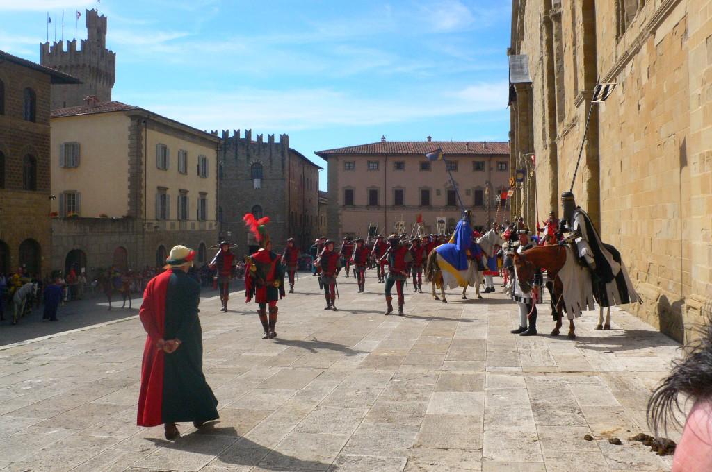 Piazza del Duomo, Arezzo, pressi Cortona